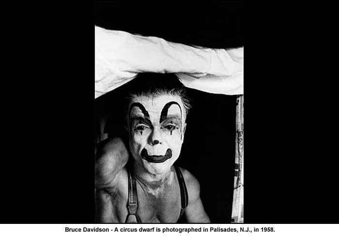Bruce-Davidson-Dwarf-Circus